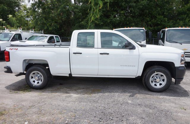 2018 Silverado 1500 Double Cab 4x4,  Pickup #8C1132 - photo 4
