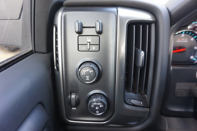 2018 Silverado 1500 Crew Cab 4x4,  Pickup #8C1496 - photo 16