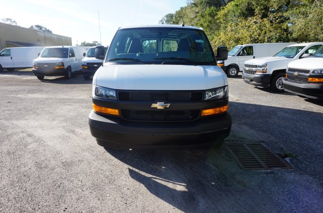 2018 Express 2500 4x2,  Empty Cargo Van #8G78 - photo 3