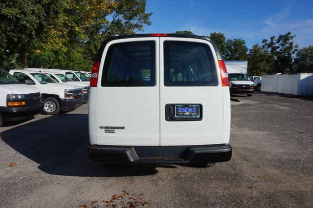 2018 Express 2500 4x2,  Empty Cargo Van #8G78 - photo 2