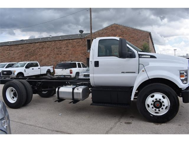 2017 F-650 Regular Cab Cab Chassis #706716 - photo 3
