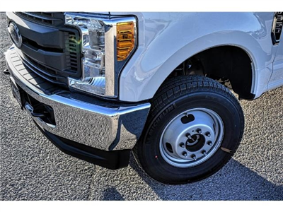 2017 F-350 Super Cab DRW 4x4 Cab Chassis #736170 - photo 11