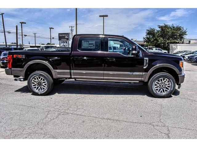 2018 F-250 Crew Cab 4x4, Pickup #818653 - photo 3