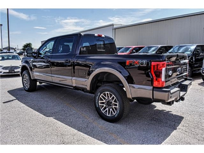 2018 F-250 Crew Cab 4x4, Pickup #818653 - photo 4