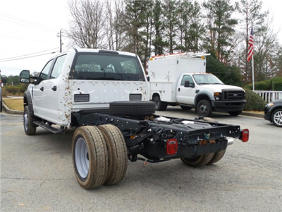 2017 F-550 Crew Cab DRW 4x4 Cab Chassis #HEE34430 - photo 2