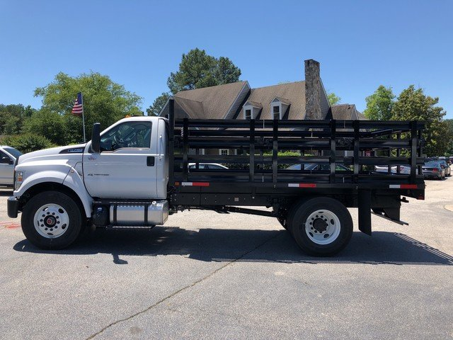 2018 F-750 Regular Cab DRW 4x2,  HFI Truck Center Stake Bed #JDF04095 - photo 3