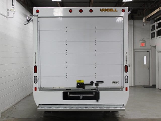 2017 E-450 4x2,  Unicell Cutaway Van #172065TZ - photo 6