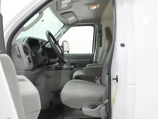 2018 E-350 4x2,  Unicell Cutaway Van #181778TZ - photo 7