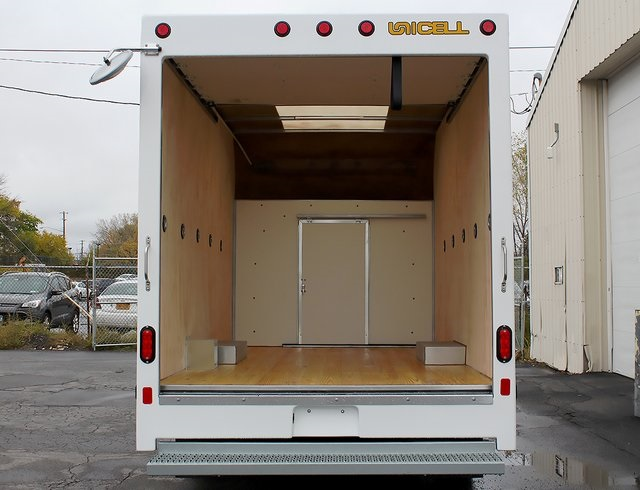 2019 E-350 4x2,  Unicell Cutaway Van #190096TZ - photo 2