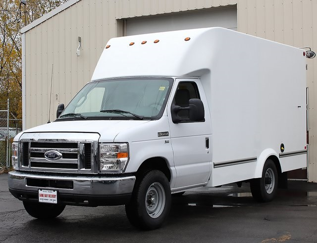 2019 E-350 4x2,  Unicell Cutaway Van #190096TZ - photo 4