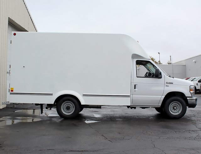 2019 E-350 4x2,  Unicell Cutaway Van #190096TZ - photo 8