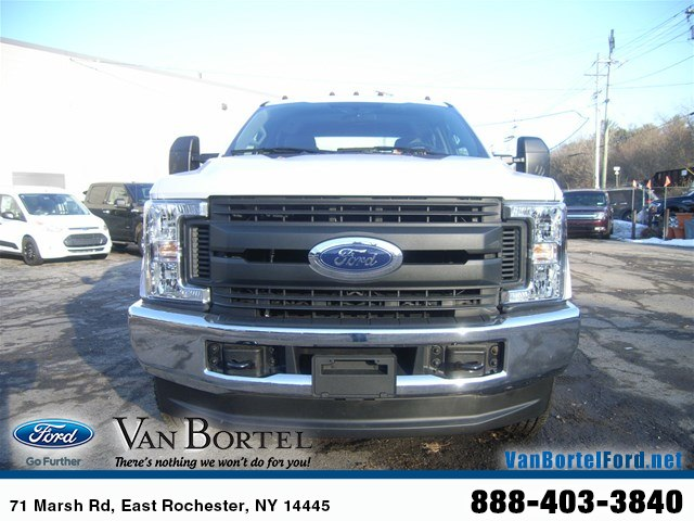 2018 F-250 Crew Cab 4x4, Pickup #51646 - photo 7
