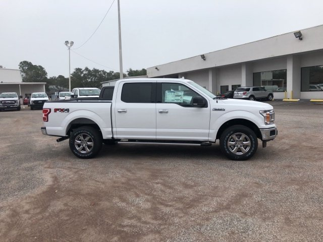 2018 F-150 Crew Cab 4x4, Pickup #18F141 - photo 3