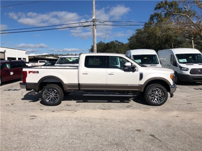 2018 F-250 Crew Cab 4x4, Pickup #18F152 - photo 3