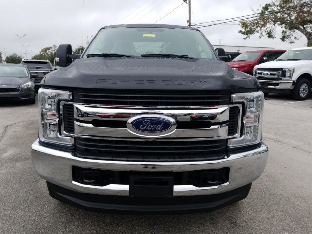 2018 F-250 Crew Cab 4x4, Pickup #18F195 - photo 2