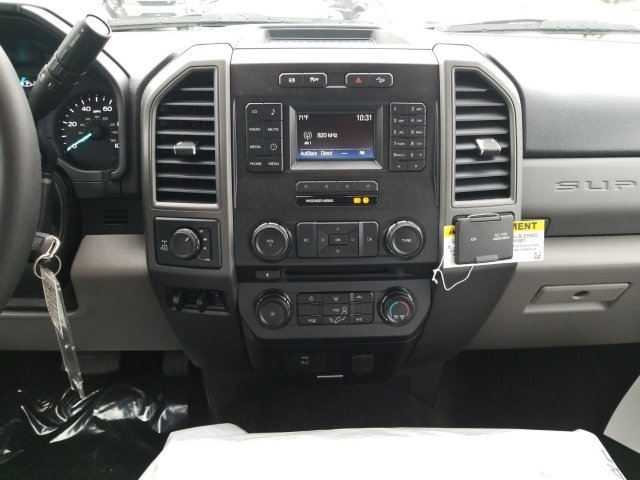 2018 F-250 Crew Cab 4x4, Pickup #18F195 - photo 7