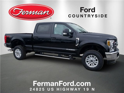 2018 F-250 Crew Cab 4x4, Pickup #18F195 - photo 1
