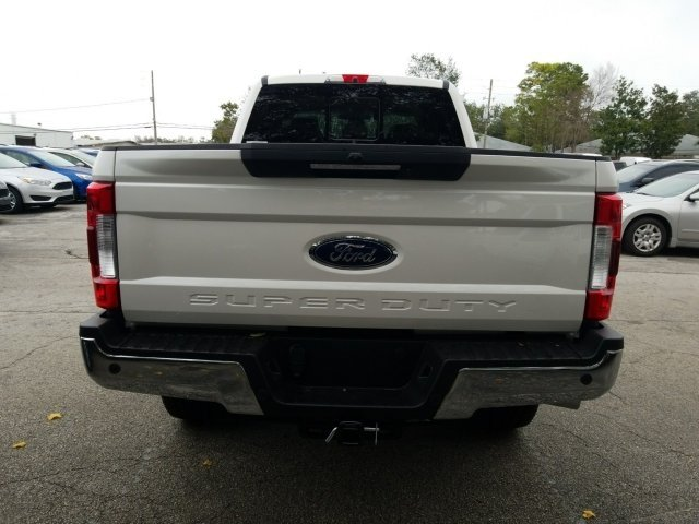 2018 F-250 Crew Cab 4x4, Pickup #18F214 - photo 4
