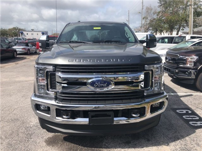2018 F-250 Crew Cab 4x4, Pickup #18F333 - photo 4