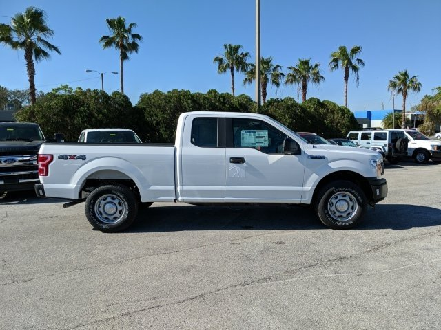 2018 F-150 Super Cab 4x4, Pickup #18F467 - photo 3