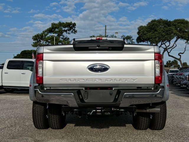 2018 F-350 Crew Cab DRW 4x4, Pickup #18F674 - photo 4