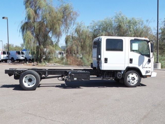 2017 NQR Crew Cab, Cab Chassis #H7900705 - photo 4