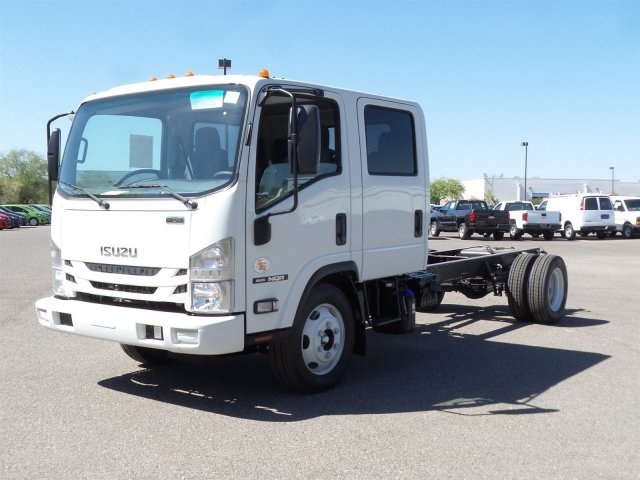 2017 NQR Crew Cab, Cab Chassis #H7900705 - photo 3