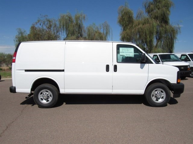 2017 Express 2500 Cargo Van #H1151233 - photo 4