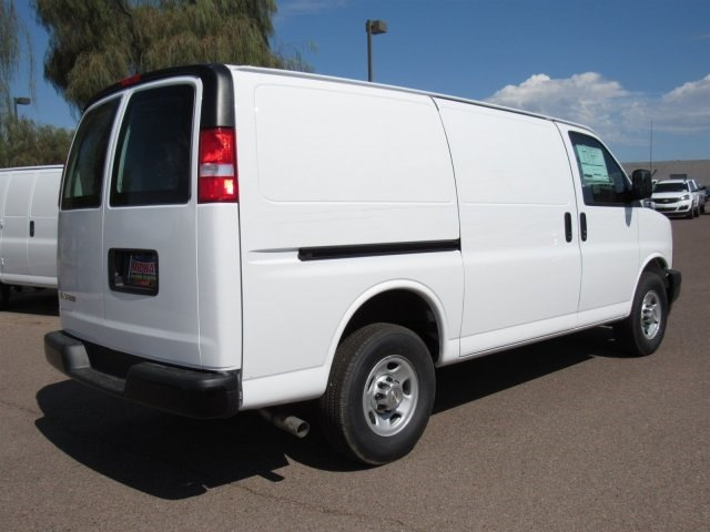 2017 Express 2500 Cargo Van #H1151233 - photo 5