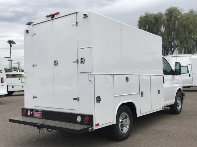 2017 Express 3500 4x2,  Service Utility Van #H1351684 - photo 3