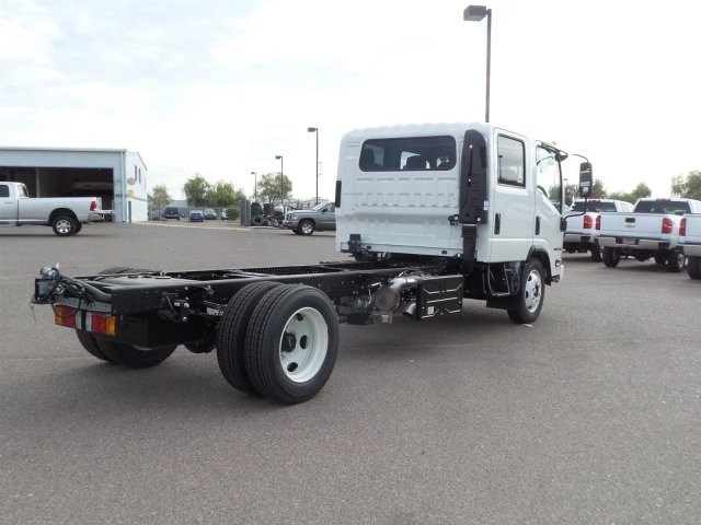 2017 NQR Crew Cab, Cab Chassis #H7901280 - photo 4