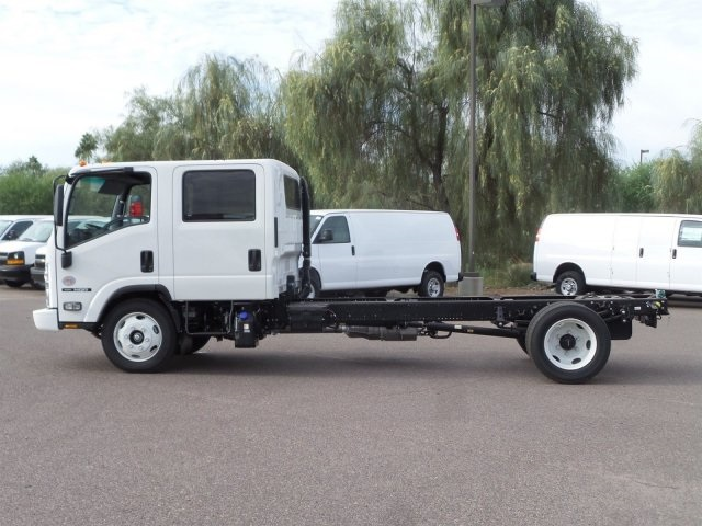 2017 NQR Crew Cab, Cab Chassis #H7901280 - photo 6