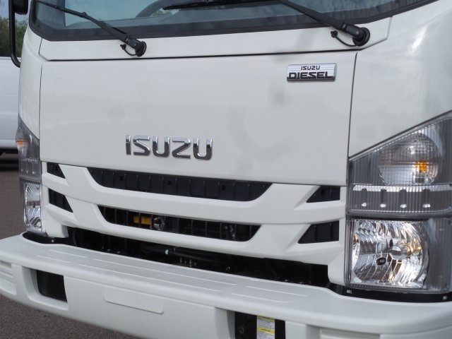 2017 NQR Crew Cab, Cab Chassis #H7901280 - photo 7