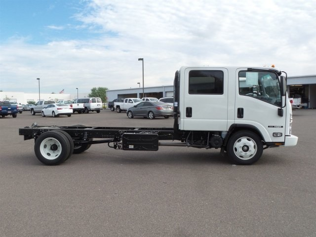 2017 NQR Crew Cab, Cab Chassis #H7901339 - photo 3