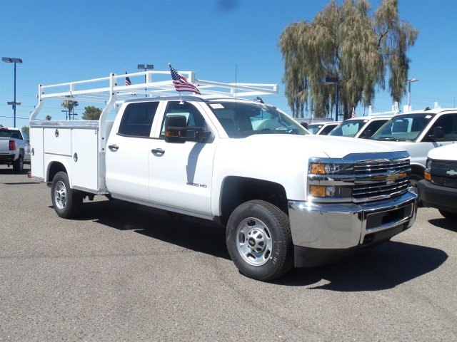2017 Silverado 2500 Crew Cab, Royal Service Body #HF159282 - photo 3