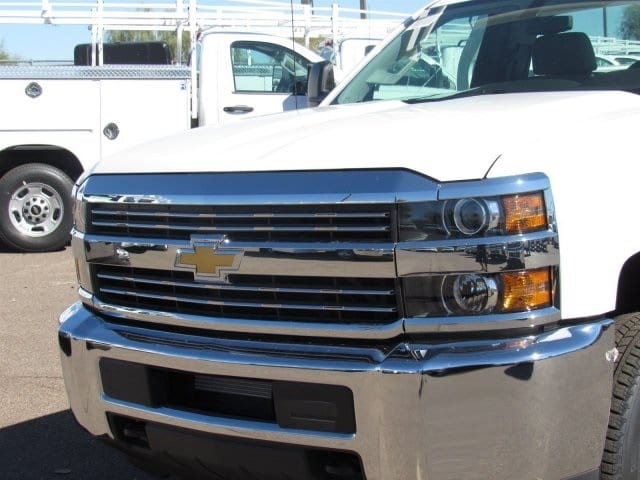 2017 Silverado 3500 Regular Cab, Royal Service Body #HF192974 - photo 9