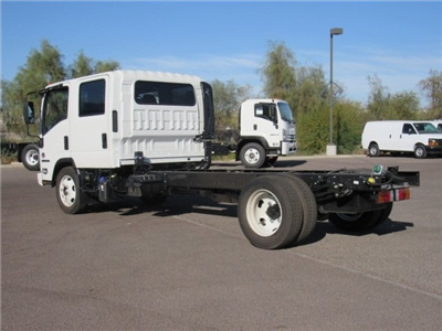 2018 NQR Crew Cab, Cab Chassis #J7902041 - photo 2