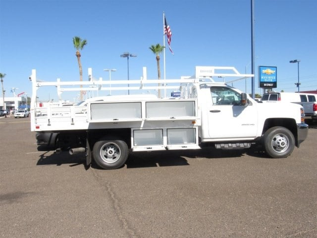 2018 Silverado 3500 Regular Cab DRW 4x2,  Knapheide Contractor Body #JF133639 - photo 3