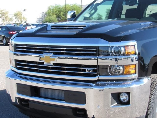 2018 Silverado 2500 Crew Cab 4x4 Pickup #JF142028 - photo 5