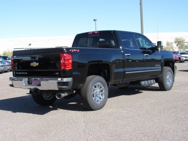 2018 Silverado 2500 Crew Cab 4x4 Pickup #JF142028 - photo 4