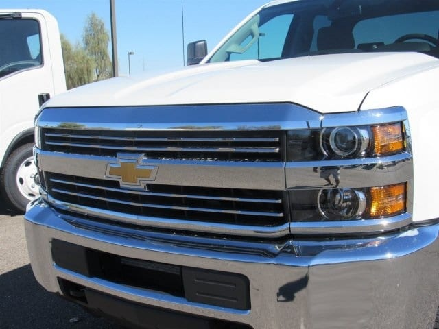 2018 Silverado 2500 Double Cab 4x2,  Cab Chassis #JZ344940 - photo 6
