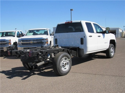 2018 Silverado 2500 Double Cab 4x2,  Cab Chassis #JZ344940 - photo 3
