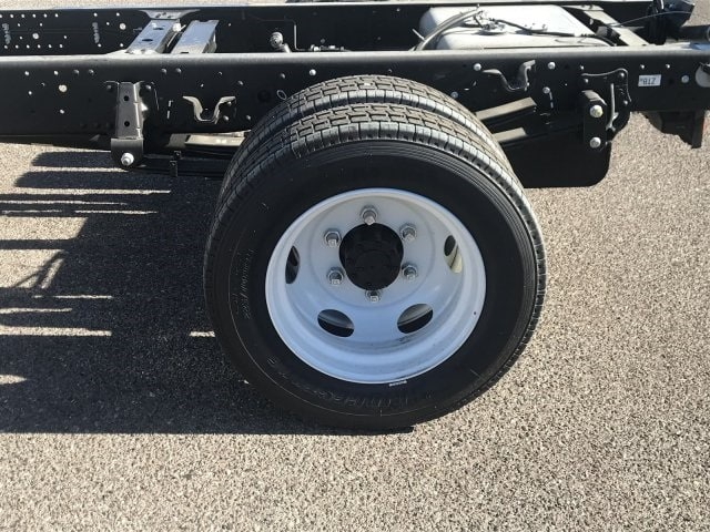 2019 NQR Crew Cab,  Cab Chassis #K7901146 - photo 4