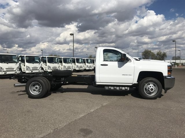 2019 Silverado 3500 Regular Cab DRW 4x2,  Cab Chassis #KF144242 - photo 3