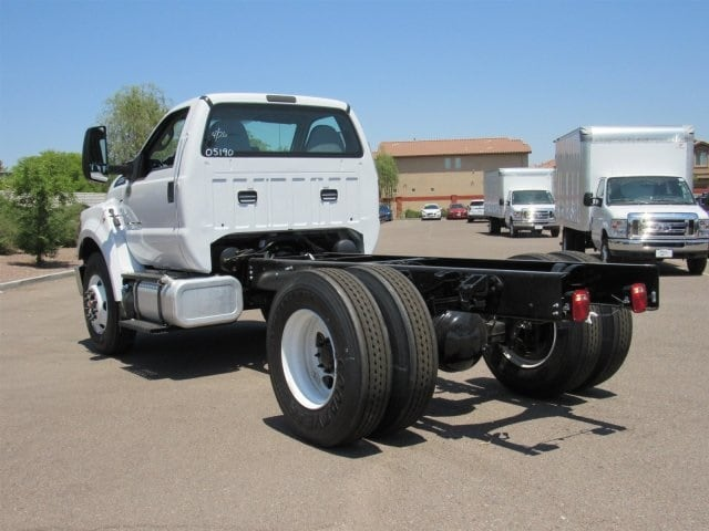 2018 F-750 Regular Cab DRW 4x2,  Cab Chassis #JDF05190 - photo 3