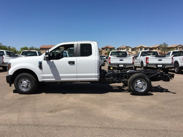 2018 F-250 Super Cab 4x2,  Cab Chassis #JEB92215 - photo 3
