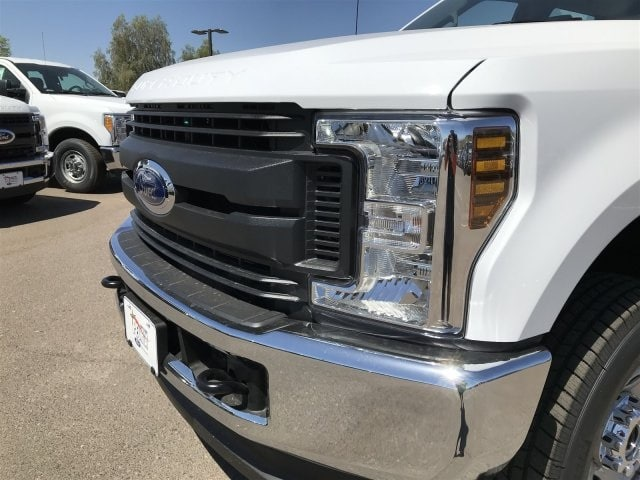 2018 F-350 Crew Cab 4x4,  Pickup #JEC67493 - photo 4
