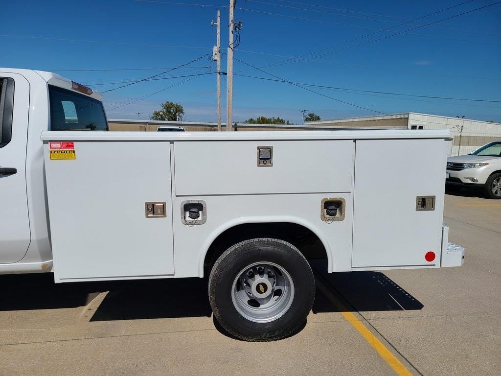 2020 Chevrolet Silverado 3500 Crew Cab DRW 4x4, Reading Service Body #F8688 - photo 5