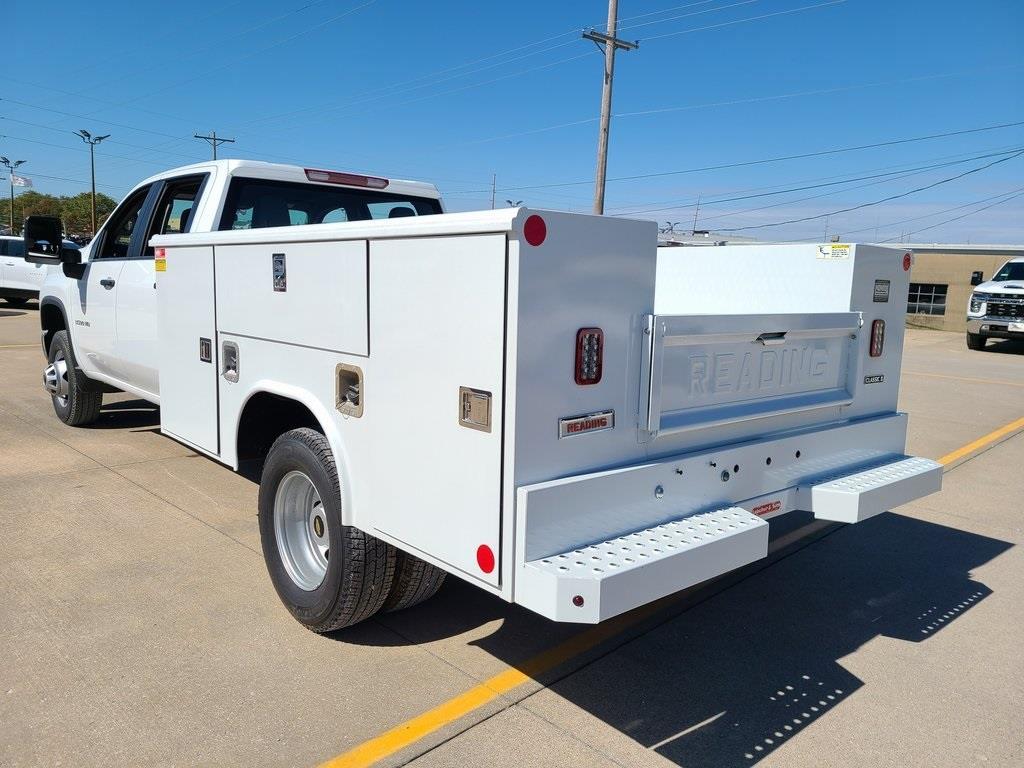 2020 Chevrolet Silverado 3500 Crew Cab DRW 4x4, Reading Service Body #F8688 - photo 2
