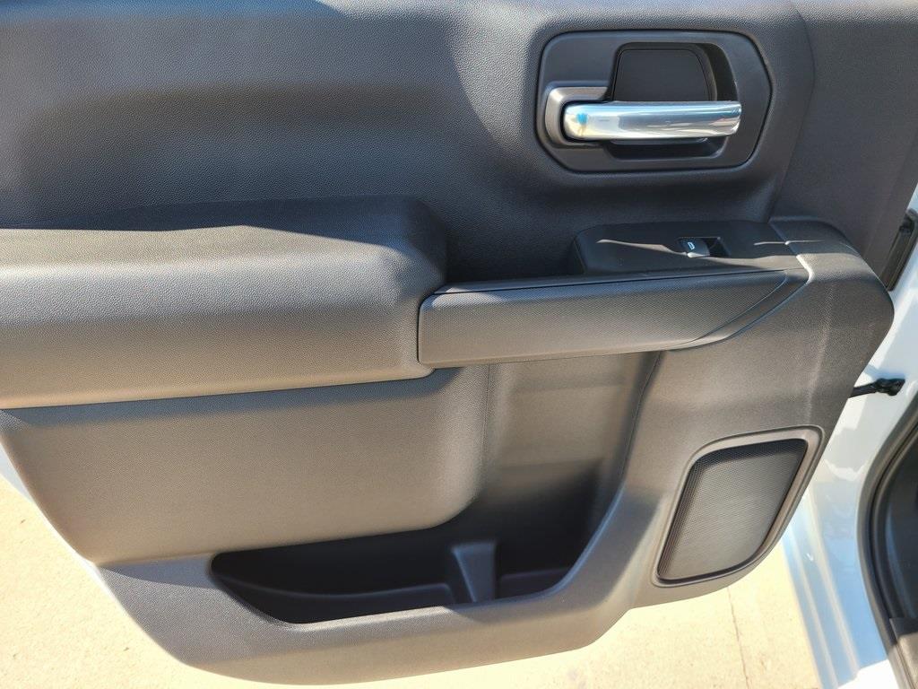 2020 Chevrolet Silverado 3500 Crew Cab DRW 4x4, Reading Service Body #F8690 - photo 7